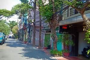 Nhà mặt phố Hồng Hà diện tích 110m2, diện tích trên sổ 82m2, thiết kế 3 tầng, mặt tiền 3.7m, giá 13.5 tỷ